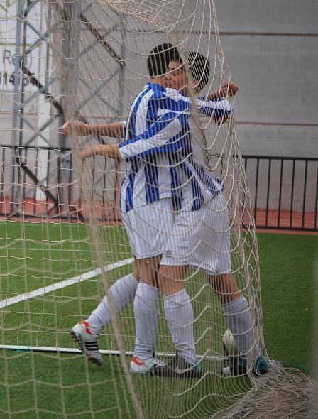Celebración 2º gol de Florín para los infantiles del SMD Herencia