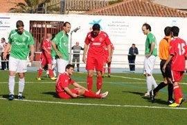 chule lesionado web - El Herencia llenó el campo de fútbol de Almagro en un vibrante encuento