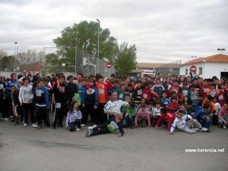 herencia forrest escolares con concejal 465x348 - Éxito de participación escolar con el proyecto Forrest 2.0