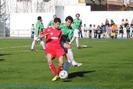 mario toca web - El Herencia llenó el campo de fútbol de Almagro en un vibrante encuento