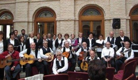 El parnaso manchego con autoridades g 465x272 - El Parnaso Manchego, protagonista en la presentación del cd de Mayos en Herencia