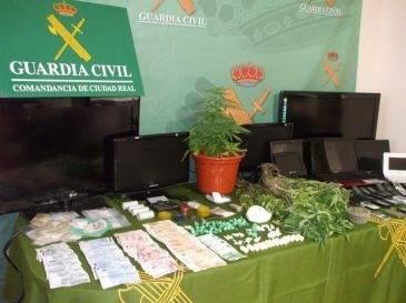 guardia civil - Detenidas tres personas en Herencia por tráfico de drogas