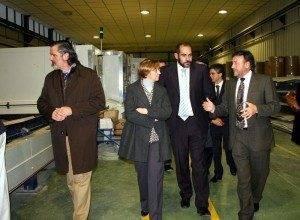 Foto de Archivo: El alcalde de Herencia junto a la anterior Vicepresidente de la JCCM visitan Tecnove
