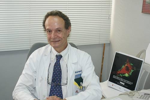 José María Moraleda - José María Moraleda participa en un seminario de Investigación en Biomedicina