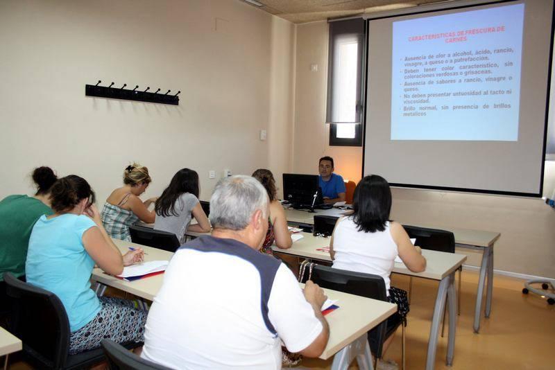Centro Formacion Curso MAnipulador alimentos a - Cerca de 50 cursos son ofertados desde el Centro de Formación y Empleo de Herencia