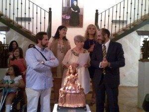 Herencia exposicion Jesus Madero alcalde y familia 300x225 - Inaugurada la restrospectiva en honor al artista Jesús Madero