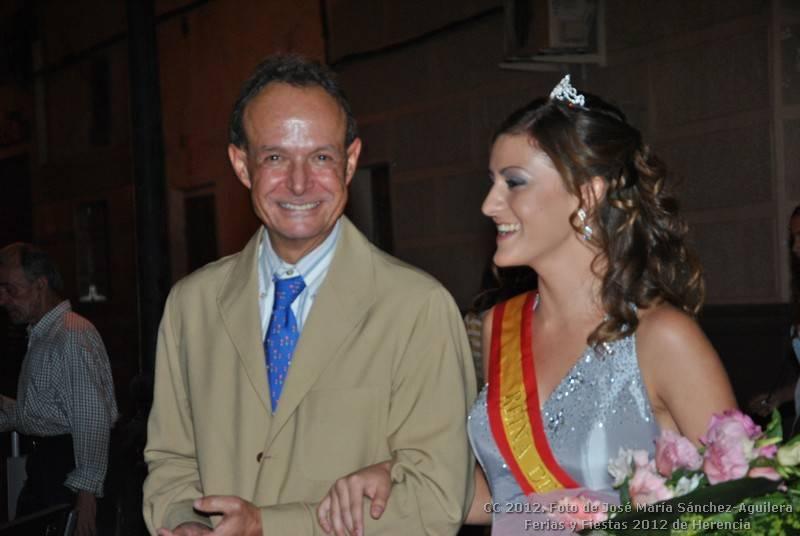José María Moraleda junto a la reina de las ferias y fiestas 2012