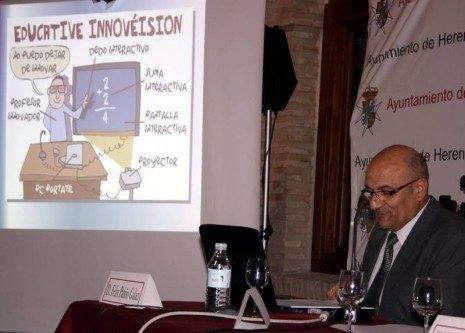 Momento de la ponencia de Félix Patiño durante el X Festival del Aprendizaje de Herencia