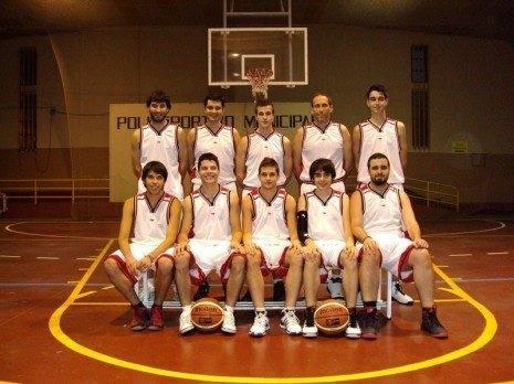 Foto Oficial club de baloncesto de Herencia 465x348 - Primera gran victoria del Club de Baloncesto Herencia en la Liga Comarcal