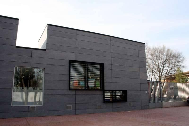 herencia escuela infantil a fachada - PSOE pregunta por la subvención comprometida para la escuela infantil