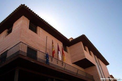 Herencia Ayuntamiento 465x310 - El pleno municipal aprueba el reglamento de la nueva ludoteca