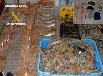 Efectos recuperados y utiles para cometer los robos
