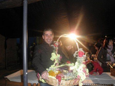 Imagen de la puja de ánimas a las puertas del Palacio de Carnaval