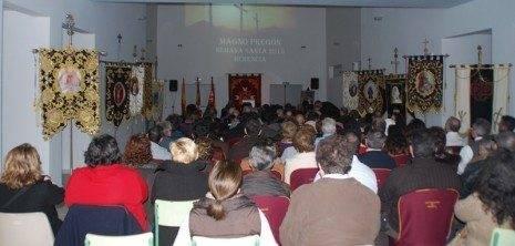 Público asistente al pregón de la Semana Santa de Herencia 2013