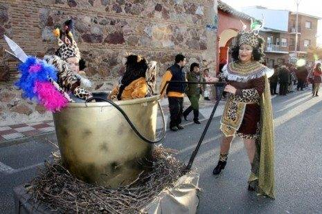 """carnaval de herencia nenes cocidos la tribu g 465x310 - Cerca de """"15.000"""" personas en el Desfile del Ofertorio 2013"""