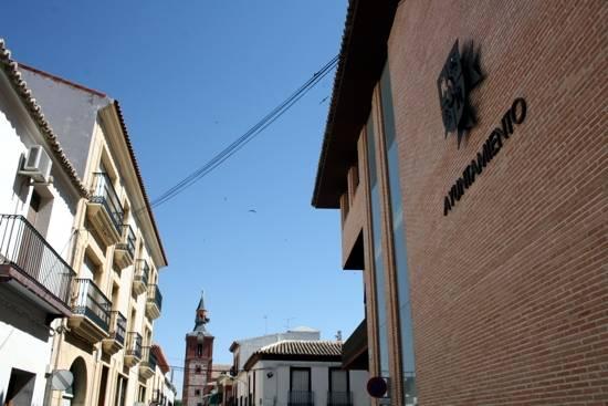 herencia ayuntamiento y calle g - El Ayuntamiento de Herencia realiza una auditoria del alumbrado público