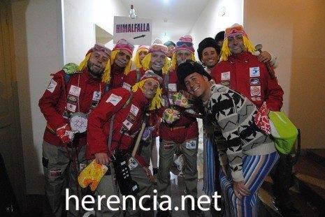 los pelendegues himalfalla 2013 465x311 - Los pelendengues inician su carnaval con dos actuaciones