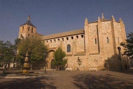 Iglesia de Moral de Calatrava. Foto extraída de www.turismocastillalamancha.com