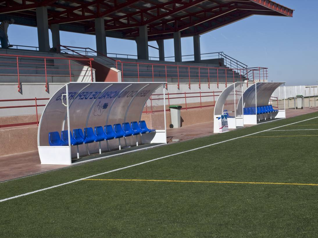 Campo Futbol Herencia 009 web - Remontada que vale un punto y el segundo puesto para los juveniles de Herencia