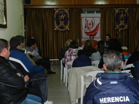 """Charla-coloquio organizada por """"Los Moraos"""""""