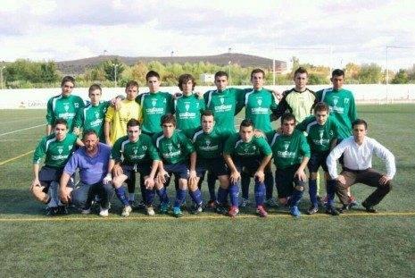 Equipo de F%C3%BAtbol Juvenil de Herencia 465x311 - Valdepeñas no fue rival para el equipo juvenil de fútbol de Herencia