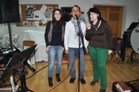 Herencia Mercedes Callejas Miguel Garc%C3%ADa y Mariavi D%C3%ADaz vocalistas de Cis Adar 465x310 - Cis Adar comienza la grabación de su segundo disco