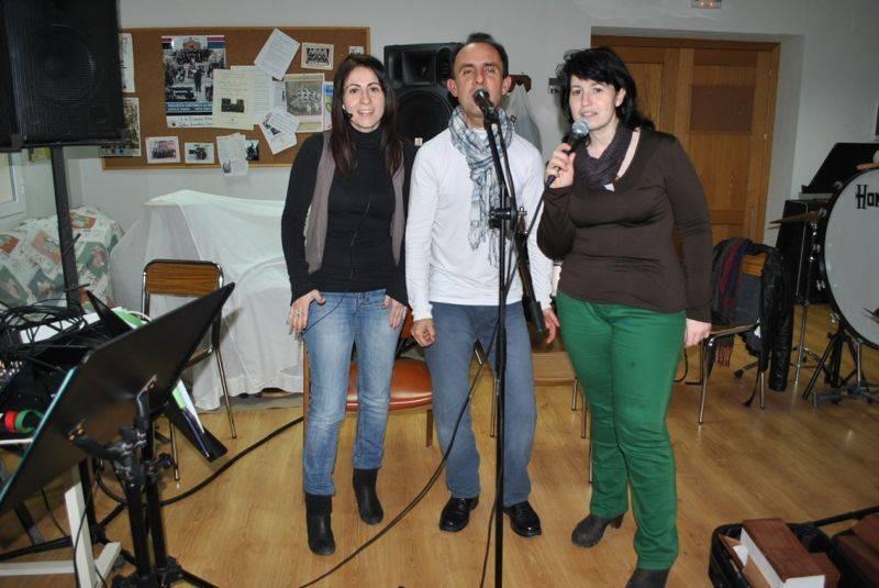 Herencia_Mercedes Callejas, Miguel García y Mariavi Díaz vocalistas de Cis Adar