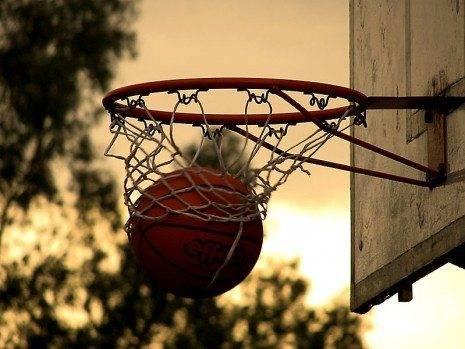 baloncesto Autor MarcoCrupi 465x349 - Comienzan los playoffs de la liga comarcal de baloncesto