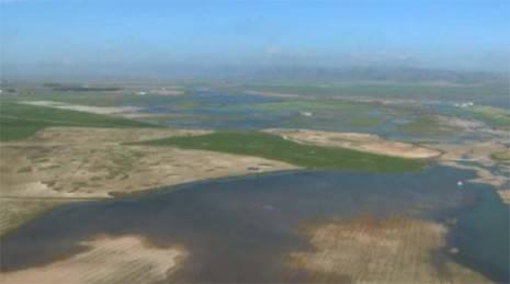 La Mancha h%C3%BAmeda a vista de avioneta 465x259 - Impresionante vuelo sobre la autopista de agua del Acuífero 23