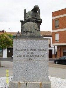 Monumento a Santa Teresa de Jes%C3%BAs en Malag%C3%B3n 225x300 - Cis Adar actuará en la teresiana localidad de Malagón