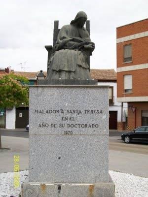 Monumento a Santa Teresa de Jesús en Malagón - Cis Adar actuará en la teresiana localidad de Malagón