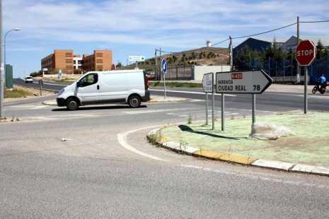 herencia entroque de la futura rotonda 465x310 - Inicio de las obras de la nueva rotonda de acceso al polígono industrial de Herencia