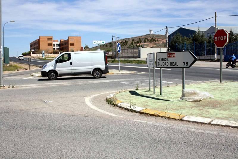 herencia entroque de la futura rotonda - Inicio de las obras de la nueva rotonda de acceso al polígono industrial de Herencia