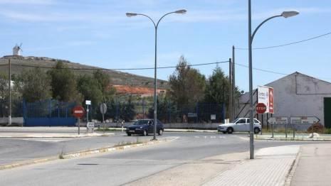 herencia farolas publicas 465x262 - Ahorrar el 45% de luz es lo que pretende el Ayuntamiento de Herencia con un nuevo sistema de control energético