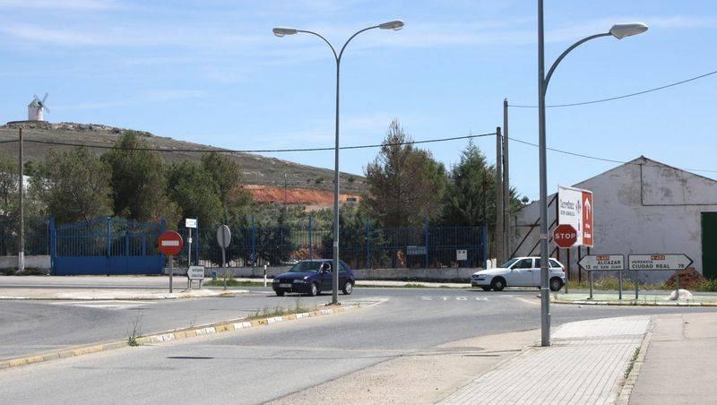 herencia farolas publicas - Ahorrar el 45% de luz es lo que pretende el Ayuntamiento de Herencia con un nuevo sistema de control energético