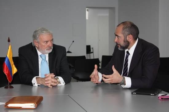herencia alclade con el embajador de Colombia - El alcalde de Herencia se reune con el embajador de Colombia