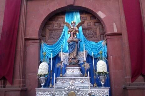 Corpus Christi Herencia 2013 55 465x309 - Herencia se vistió de fiesta para celebrar el Corpus Christi