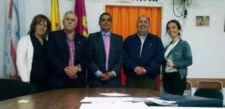 El portavoz del Grupo Popular de la Diputación Provincial, David Marín, y el viceportavoz, Ángel Exojo se reunen con concejales del PP de Herencia