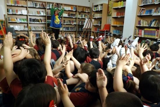 Cuentacuentos en la biblioteca de Herencia