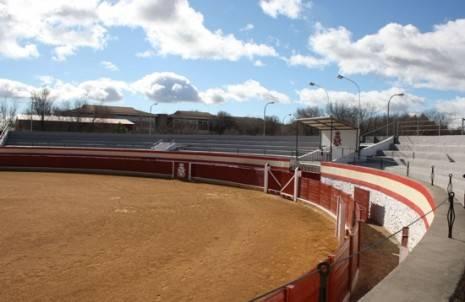 herencia Plaza de Toros g 465x302 - Aplazada la corrida de toros de Herencia