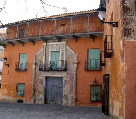 casa del conde 465x407 - Los Condes de la Cabezuelas