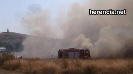 incendio en Herencia - bomberos