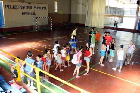 escuela de verano agosto 2013 Herencia 465x311 - Actividad cultural del mes de agosto en Herencia