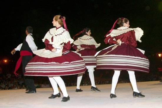 grupo folclórico - Actividad cultural del mes de agosto en Herencia