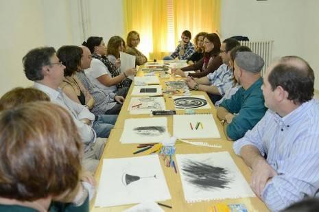 Enrique Rodríguez de Tembleque junto a otros monitores de pintura de Universidades Populares de Ciudad Real