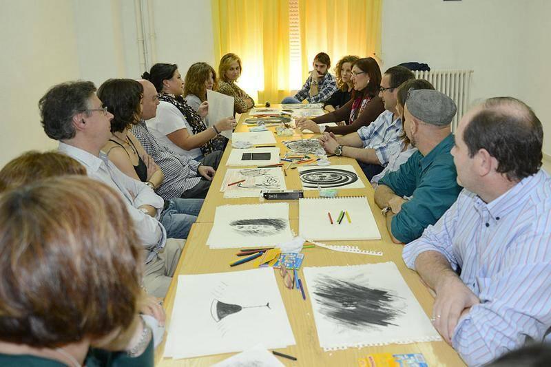 Enrique Rodríguez de Tembleque junto a otros monitores de pintura de la Universidad Popular1 - Enrique Rodríguez participa en un encuentro de artes dirigido a monitores de Universidad Populares