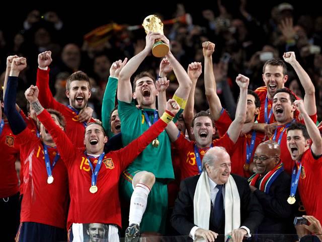 Selección española de fútbol - La selección española galardonada con el perlé institucional