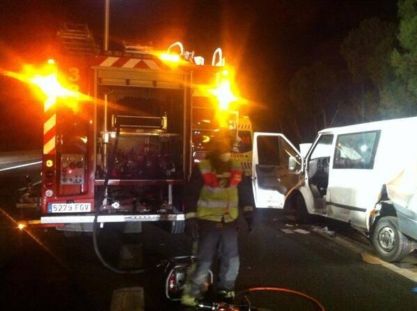 furgoneta accidente trafico madrid con herencianos - Dos muertos y cuatro heridos en un accidente de tráfico a la altura de Aranjuez