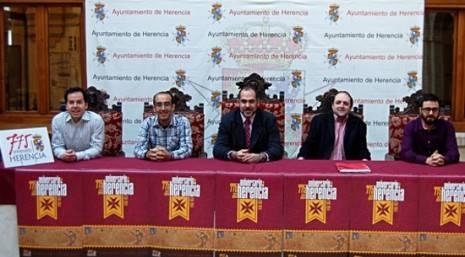 herencia 775 aniversario carta puebla mesa presentacion g 465x257 - Presentado el logo y un avance de los actos del 775 Aniversario de la Carta Puebla de Herencia