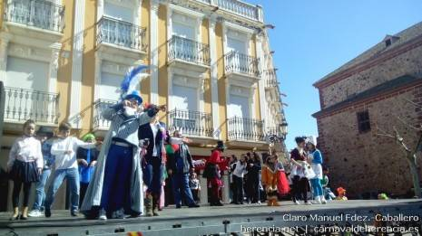 IMG 20140223 142258 465x261 - Deseosas, ansiosos y prisilla tomaron las calles para dar la bienvenida al carnaval de Herencia